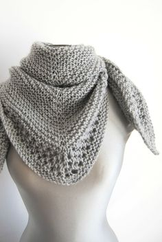 Mon châle à moi… ou presque – Des p'tites creations… - Autos Online Free Knit Shawl Patterns, Knitting Patterns, Crochet Patterns, Diy Tricot Crochet, Crochet Shawl, Knitted Poncho, Knitted Shawls, Quick Knitting Projects, Tricot Baby