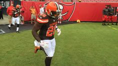 @Browns: First look at that brown/white/brown  on the field... 2015