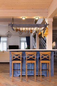 барная стойка в деревянном доме из клееного бруса