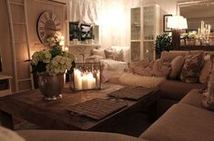 Love the warm neutrals and all the layering with variations of texture and colors - LOVE!