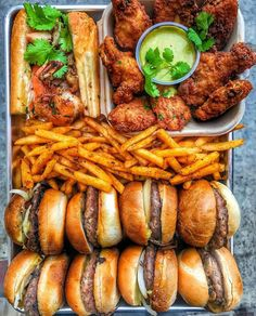 junk food recipes fast recipes to fast for weightloss weightloss fast this not that fast food diet to eat weight loss foods healthy fast meal junk lose foods party food I Love Food, Good Food, Yummy Food, Yummy Snacks, What Is Junk Food, Healthy Hamburger, Hamburger Meal, Le Diner, Food Platters