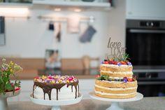 Werde zum Naked Cake und essbare Blüten Torten Profi. In meinen Online Kursen zeige ich dir alle Schritte um trendige Naked Cakes zu backen und wie du mit frischen, essbaren Blüten deine Torten und Desserts ganz natürlich gestalten kannst. Silvia Fischer. http://www.silviafischer.com/online-training/