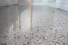betonggulv - Google-søk Men det må ikke være slik, et betonggulv kan være et alternativ til fliser, skifer og andre harde, gulv som er svært robuste og krever lite vedlikehold. Betong kan nemlig diamantslipes, og nye teknikker gir et svært elegant og moderne uttrykk.