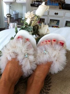 Unique Vintaged Tulle Flip Flops for the bride!