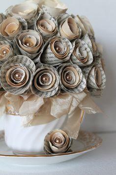 . Origami Flowers Tutorial, Flower Tutorial, Diy Paper, Paper Art, Paper Crafts, Handmade Flowers, Diy Flowers, Paper Flower Arrangements, Book Page Crafts