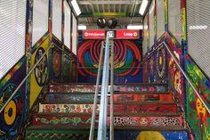 ¿QUÉ NOS DICEN LOS ACCESOS AL METRO SOBRE SUS CIUDADES? (FOTOS) Un recorrido fotográfico por los diferentes accesos al sistema metro del mundo.  Estación calle 18- Chicago, ILL