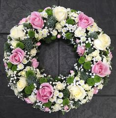 use-flowersandhome is your local florist specialising in exquisite floral arrangements to suit any occasion and budget. Arrangements Funéraires, Funeral Flower Arrangements, Silk Floral Arrangements, Church Flowers, Funeral Flowers, Deco Floral, Arte Floral, Fresh Wreath, Corona Floral