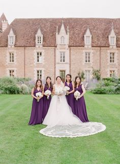 Purple bridesmaids | Photography: Oliver Fly