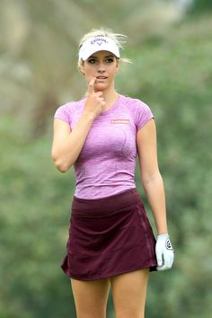 If you reside in a very warm climate and love to golf often, without doubt you have several pair of women's golf skorts. Ladies golf shorts and skorts are a great way to appear and feel feminine Girls Golf, Ladies Golf, Women Golf, Sports Women, Sexy Golf, Club Face, Golf Drivers, Golf Tips For Beginners, Perfect Golf
