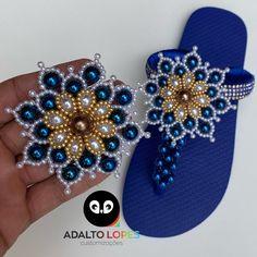 Diy And Crafts, Flip Flops, Biscuit, Slippers, Towel Crafts, Flip Flop Craft, Decorated Flip Flops, Crochet Basket Pattern, Stud Earrings