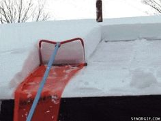 mesmerizing photos of removing snow from roof Small Room Bedroom, Cool Tools, Cool Gadgets, Helpful Hints, Diy And Crafts, Life Hacks, Projects To Try, Snow, Cool Stuff