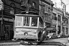 Gorgeous Black & White Pics Of San Francisco Like You've Never Seen It Before #refinery29  http://www.refinery29.com/vintage-san-francisco-photos#slide1  A classic S.F. moment.