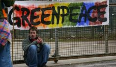© ludwig van standard lamp/flickr.com A Greenpeace proclamou esse dia como o Dia Internacional de Solidariedade com os ativistas presos em M...