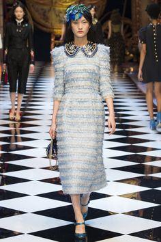 Dolce & Gabbana Fall 2016 Ready-to-Wear Fashion Show Collection