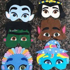 Máscaras super monstros em ação Monster Birthday Cakes, Monster 1st Birthdays, Monster Birthday Parties, Monster Party, 1st Boy Birthday, First Birthdays, Unicorn Crafts, Alice, Kids Part