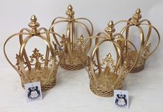 Quinceanera Party Planning – 5 Secrets For Having The Best Mexican Birthday Party Quinceanera Centerpieces, Quinceanera Party, Party Centerpieces, King Birthday, 60th Birthday Party, Cumpleaños Shabby Chic, Crown Centerpiece, Umbrella Centerpiece, Gold Crown Cake Topper