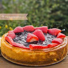 Tarta de queso, la receta definitiva ¡con y sin horno!   PequeRecetas Acai Bowl, Cheesecake, Food And Drink, Cupcakes, Breakfast, Desserts, Flan, Shots, Gluten