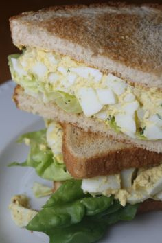 Deviled egg salad sandwiches - could wrap is lettuce or scoop with but thin crackers Egg Salad Sandwiches, Soup And Sandwich, Wrap Sandwiches, Steak Sandwiches, Chicken Sandwich, All You Need Is, Pasta Facil, Deviled Egg Salad, Great Recipes