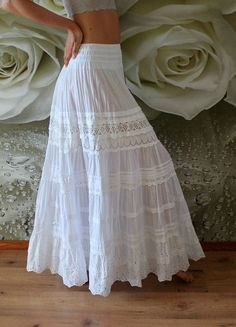 wedding skirt White tiered maxi skirt with lace.White tiered maxi skirt with lace. White Skirt Outfits, Maxi Skirt Outfits, White Maxi Skirts, Boho Skirts, Dress Skirt, The Dress, Hippie Skirts, Maxi Dresses, Long Maxi Skirts