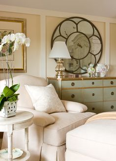 Kiawah Island bedroom by Hughes Design Associates. ~~LOVE the flower mirror! Home Bedroom, Bedroom Decor, Bedroom Seating, Master Bedroom, Peaceful Bedroom, Bedroom Chest, Bedroom Corner, Traditional Bedroom, Cool Ideas
