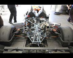 Deltawing rear suspension