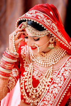 Beautiful bride ♥️ #bridaljewellerybangles