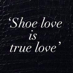kleidooSo sehen wir das auch! Habt einen tollen Start in den letzten Tag vor dem #weekend und schaut bei uns vorbei, wir haben tolle Schuhe von @kennelundschmenger bei uns im Shop.