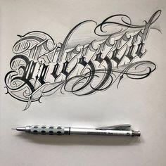 Tattoo Lettering Design, Chicano Lettering, Clock Tattoo Design, Graffiti Lettering Fonts, Hand Lettering Alphabet, Tattoo Design Drawings, Creative Lettering, Graffiti Tattoo, Graffiti Art