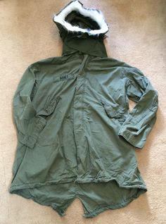 ~GENUINE US MILITARY M65 M-1951 FISHTAIL PARKA LR OD + HOOD 2ND & 7TH ID PATCHES