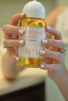 mermaid hair shampoo { makes hair look PERFECT & leaves such a lovely orange coconut fragrance }