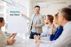 Here are four soft skills you need to make people feel at ease and help them trust you at work. Presentation Skills, Business Presentation, Coaching, Office People, You At Work, Photo Fails, Corporate Portrait, Corporate Photography, Working People
