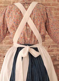Apron Pattern Free, Vintage Apron Pattern, Aprons Vintage, Sewing Patterns Free, Apron Patterns, Sewing Aprons, Sewing Clothes, Diy Clothes, Victorian Aprons