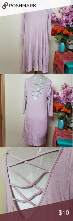 Heart Hips Backless Mauve Pink Dress Soft Long sleeve lavender pink coloured dress. VERY SOFT dress! Comfortable and has gobs of stretch. Size medium but fit me as a large and then as an extra large when I was pregnant. Great with leggings! Noticed some pilling under the arms but otherwise great! This is reflected in price. Wrinkled from storage but will be taken care of prior to shipping. Styled in the last photo with a sweater also available in my closet. Belt not for sale.  Don't hesitate…