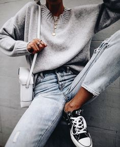 The only 10 pieces of clothing you need mode modetrends, mode outfits, damesmode, stijl Look Fashion, Girl Fashion, Winter Fashion, Fashion Outfits, Fashion Tips, Fashion Trends, Queer Fashion, Fashion Videos, Lifestyle Fashion