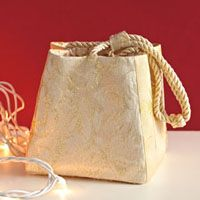 Simple Purse Project | December/January 2012 | Sew News
