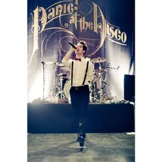Brendon Urie eeeeeeee :))) | ♥♥♥♥PANIC! AT THE DISCO♥♥♥♥ | Pinterest ❤ liked on Polyvore featuring patd