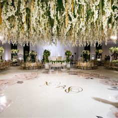 "569 Me gusta, 5 comentarios - Grace Ormonde Wedding Style (@wedding_style) en Instagram: ""A custom dance floor under an enchanting floral canopy. Floral Design: @squarerootdesigns…"""