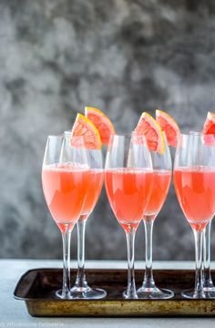 19 Mocktails You'll Actually Want to Drink Pink Grapefruit Sours from Wholesome Patisserie Vodka, Bourbon Beer, Kombucha Recipe, Healthy Sweet Treats, Fancy Drinks, Raspberry Lemonade, Grapefruit Juice, Non Alcoholic Drinks, Beverages
