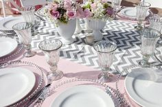 Baby Shower Table Set Up Ideas Wedding Reception 17 Ideas For 2019 Baby Shower Table Set Up, Grey Baby Shower, Baby Shower Gift Basket, Baby Shower Brunch, Boy Baby Shower Themes, Baby Boy Shower, Baby Shower Decorations, Shower Centerpieces, Baptism Party