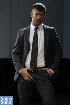 Mens Fashion Suits, Mens Suits, Men's Fashion, Costume Sexy, Hommes Sexy, Man Up, Lakme Fashion Week, Suit And Tie, Well Dressed Men
