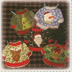 Cute mug rugs for Christmas. Ugly Christmas Sweaters Mug Rug Pattern by… Christmas Mug Rugs, Ugly Christmas Sweater, Christmas Crafts, Christmas Ideas, Ugly Sweater, Christmas Quilting, Xmas, Christmas Patterns, Christmas Things