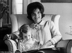 Jacqueline Kennedy avec sa fille © Copyright Eve Arnold / Magnum Photos
