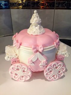 How to create a Cinderella carriage cake httpwwwcaketalkcouk