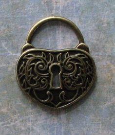 4 pcs Antique Bronze Vintage Style Lock Charms 35x41mm