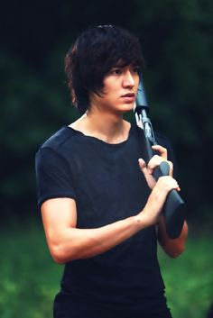 """Actor Lee Min-ho showed off his shooting skills in the Thailand shoot for new SBS drama """" City Hunter """" coming this Jung So Min, So Ji Sub, Korean Celebrities, Korean Actors, Korean Dramas, Asian Actors, Writing Inspiration, Character Inspiration, Kdrama"""
