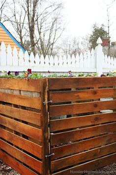 Wooden Pallet Compost Bin - Learn how to make a compost bin using wooden pallets in 6 EASY steps! Use Wooden Pallets to make the compost bin for LESS than half the cost of wood!