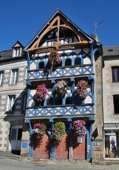 Maison du 16e siècle à Pontrieux Cotes d'armor France, auteur pierre bastien pour Patrimoine de France.