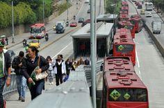 Dos mujeres adultas fueron arrolladas por bus de #Transmilenio en #Suba