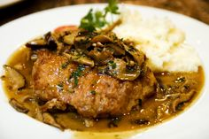Pork chop with mushrooms, wine and thyme. Use thinly sliced pork chops Pair with Benziger Chardonnay. Pork Chop Recipes, Meat Recipes, Cooking Recipes, Lamb Recipes, Sausage Recipes, Cookbook Recipes, Marinated Baked Pork Chops, Mushroom Pork Chops, Pork