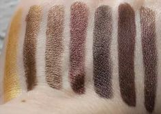 Urban Decay Eyeshadows L to R Goldmine – Scorch – Smog – Roach – Corrupt – Whiskey – Hustle